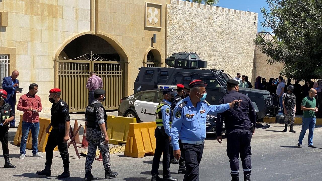 Ürdün'de Kraliyet üyesi ile eski hükümet yetkilisine hapis cezası