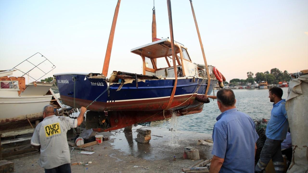Mersin'de vinç devrildi, 1 kişi ağır yaralandı