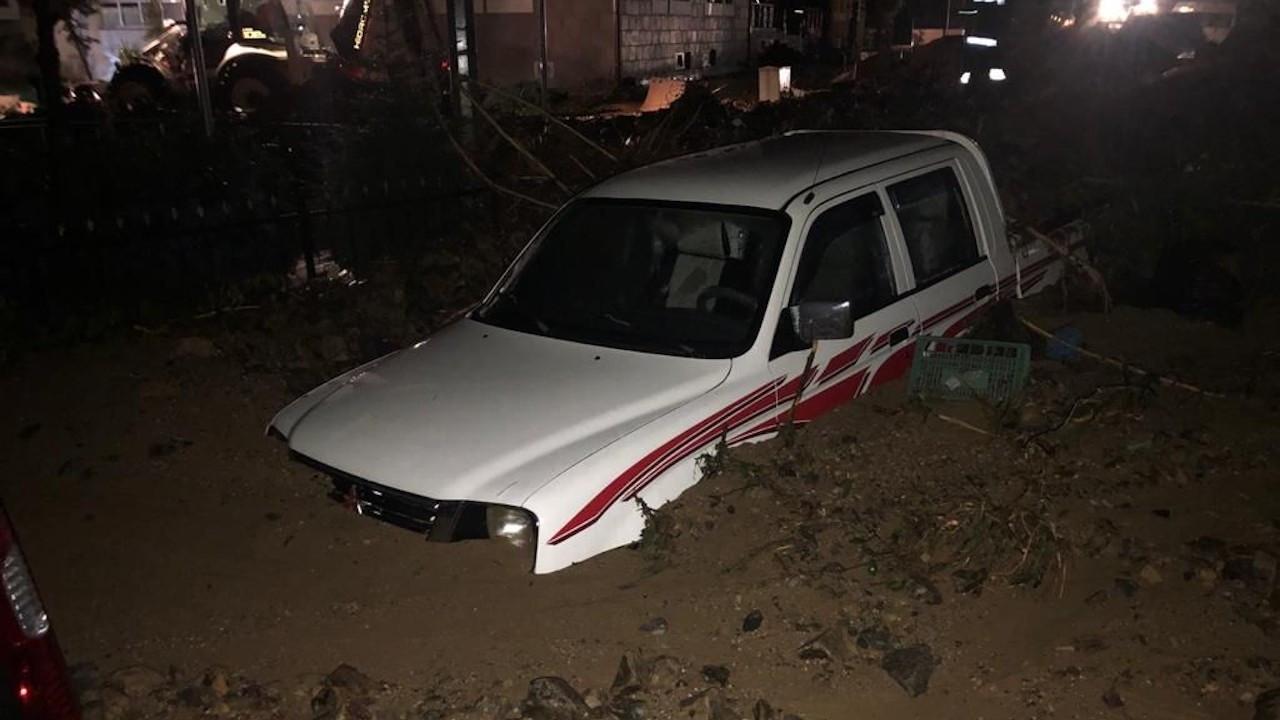 Rize'de sağanak: 3 kişi göçük altında kaldı, 1 kişi kayıp