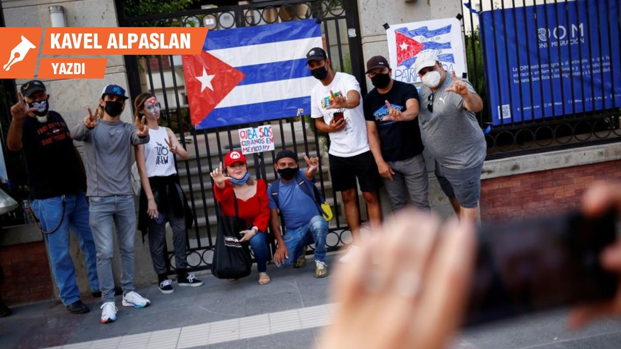 Yerçekimsiz ortamda Küba eleştirisi