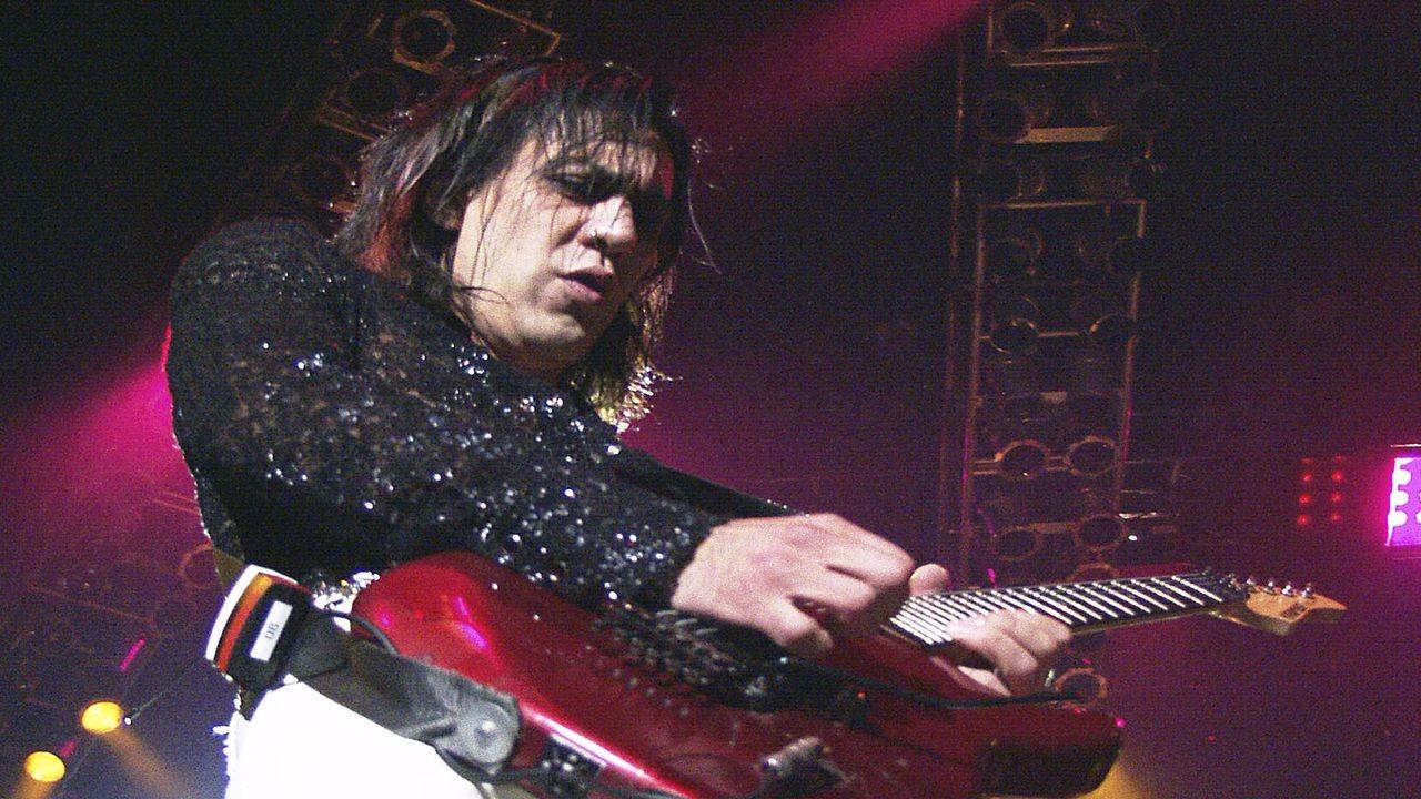 1980'li yılların ünlü grubu Cinderella'nın gitaristiJeff Labar öldü