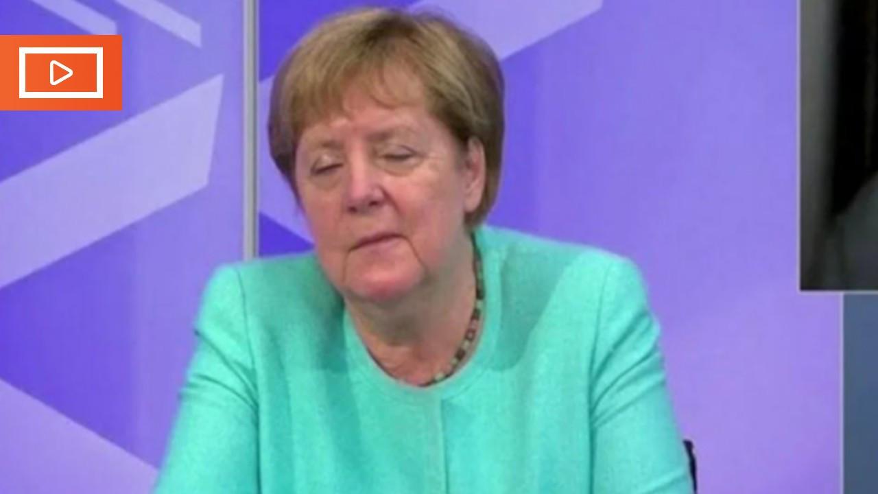 Merkel TV'de uyumamaya çalıştı