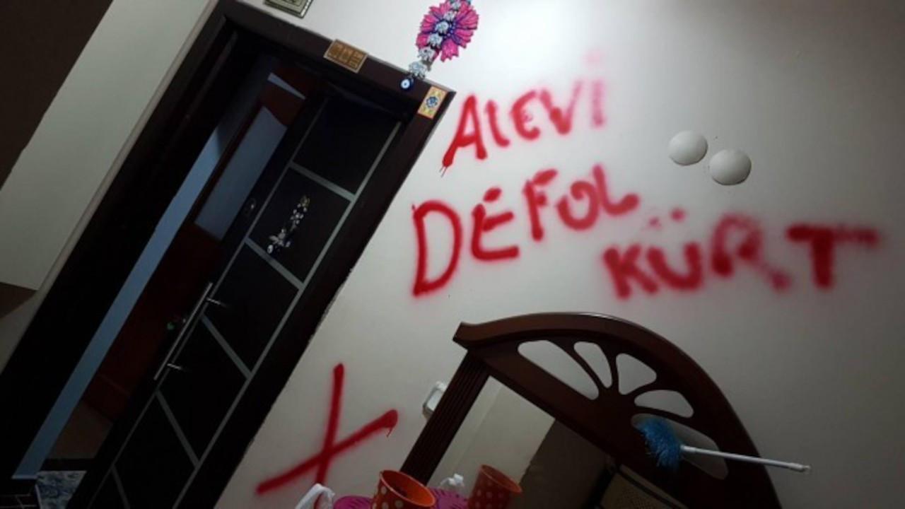 HDP'li Sezer Öztürk'ün evine çarpı işareti ve ırkçı yazılama