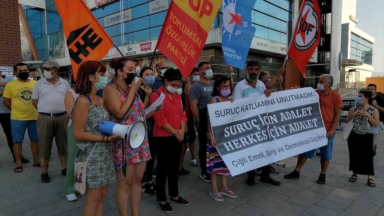 Suruç Katliamı'nda ölenler İzmir'de anıldı