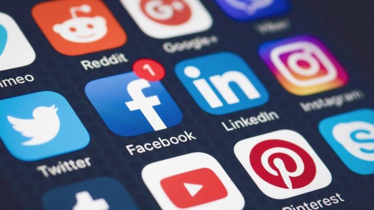 AK Parti'ye sosyal medya eğitimi