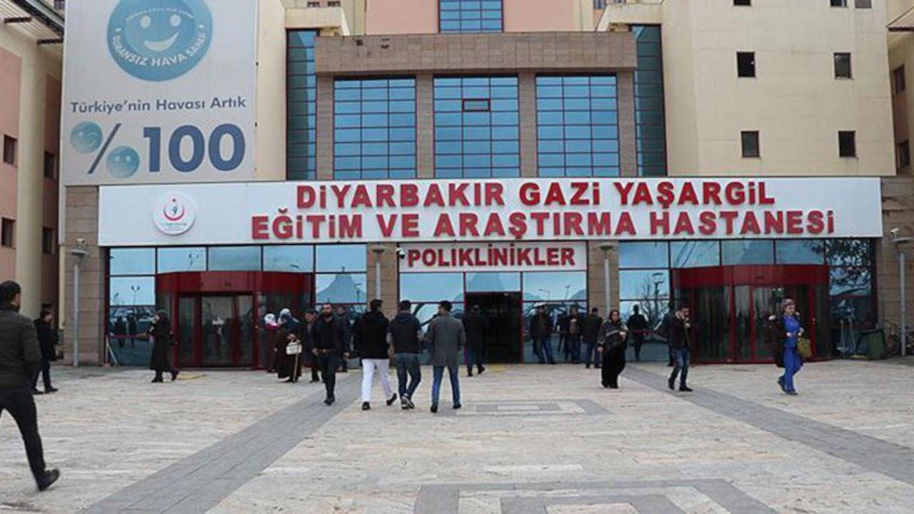 Diyarbakır Eczacı Odası Başkanı'na hemşireden yumruklu saldırı