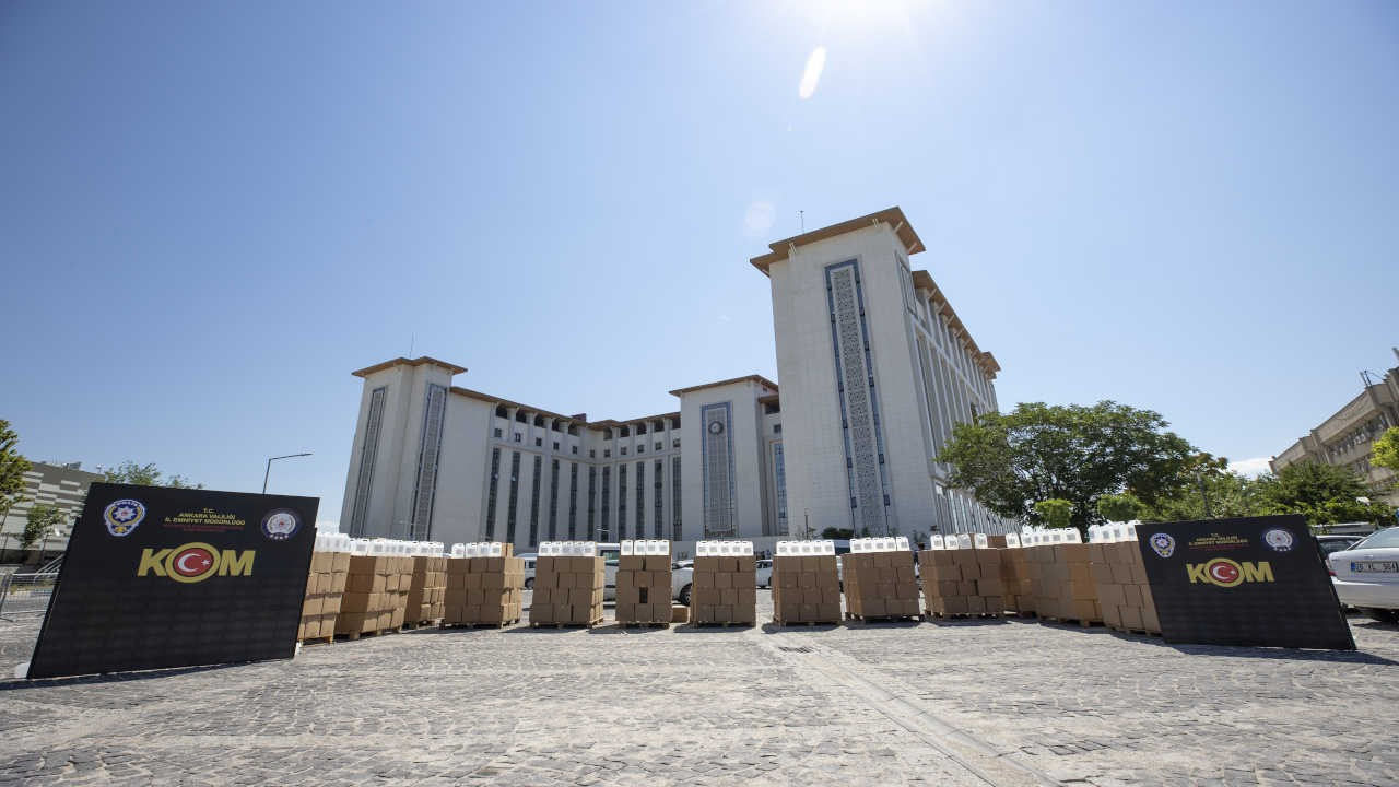 Ankara'da sahte içki operasyonu: 12 bin litre etil alkol ele geçirildi