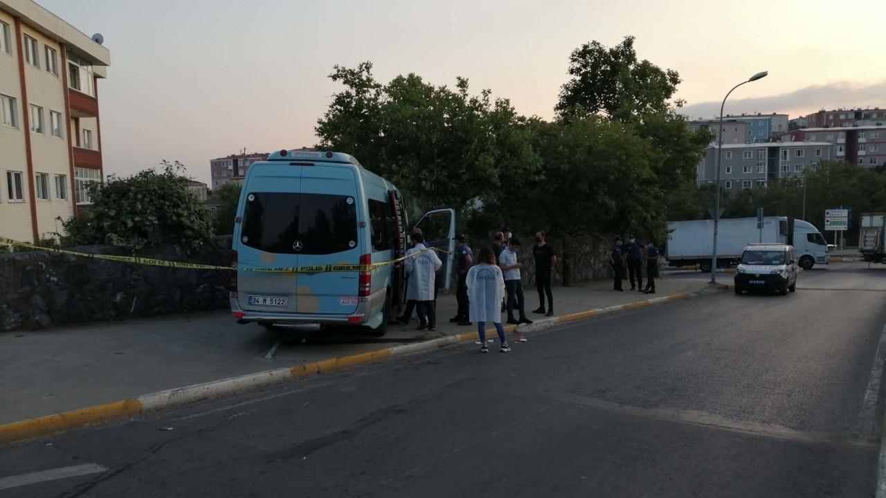 Pendik'te yolcu minibüsüne silahlı saldırı