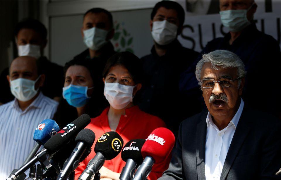 Duvar Arkası: HDP'nin kapatmaya karşı üç planı belli oldu - Sayfa 1