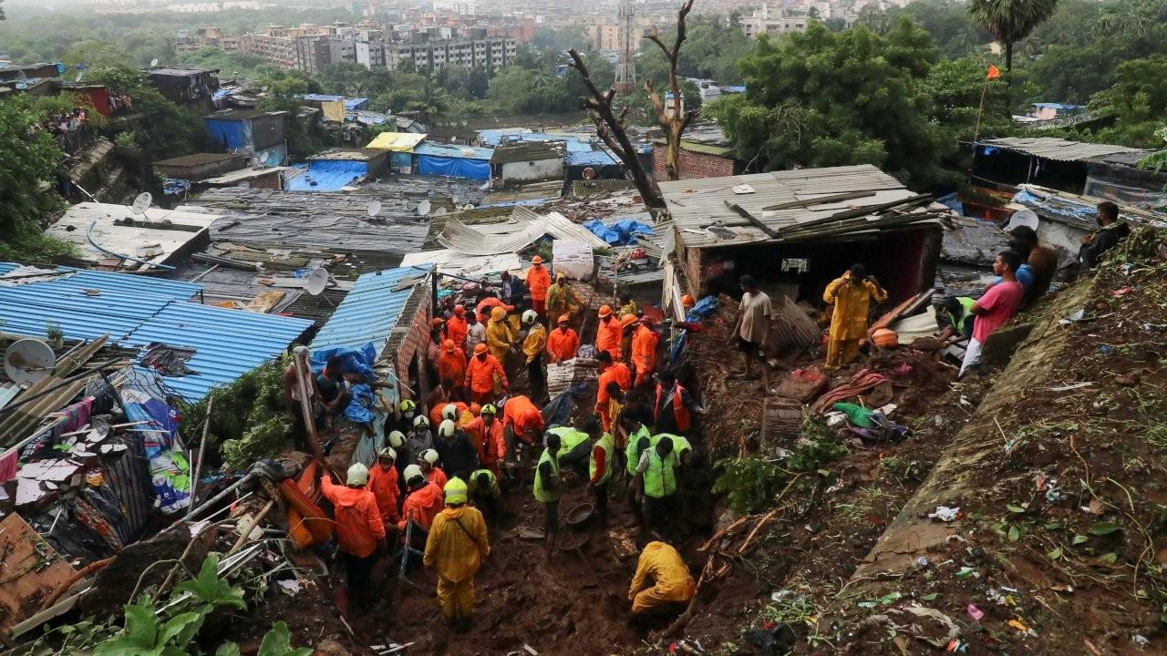 Hindistan'da heyelan: En az 30 kişi öldü