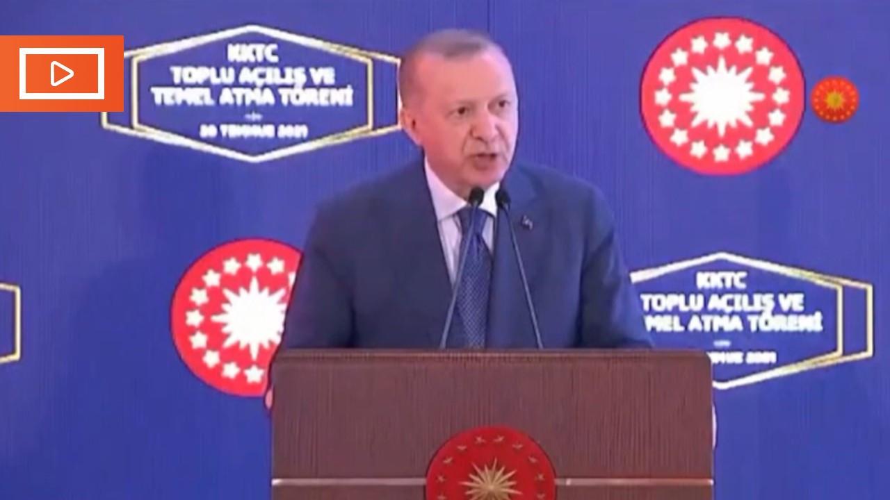 Prompter gitti Erdoğan kızdı: Kim yönetiyor bunu