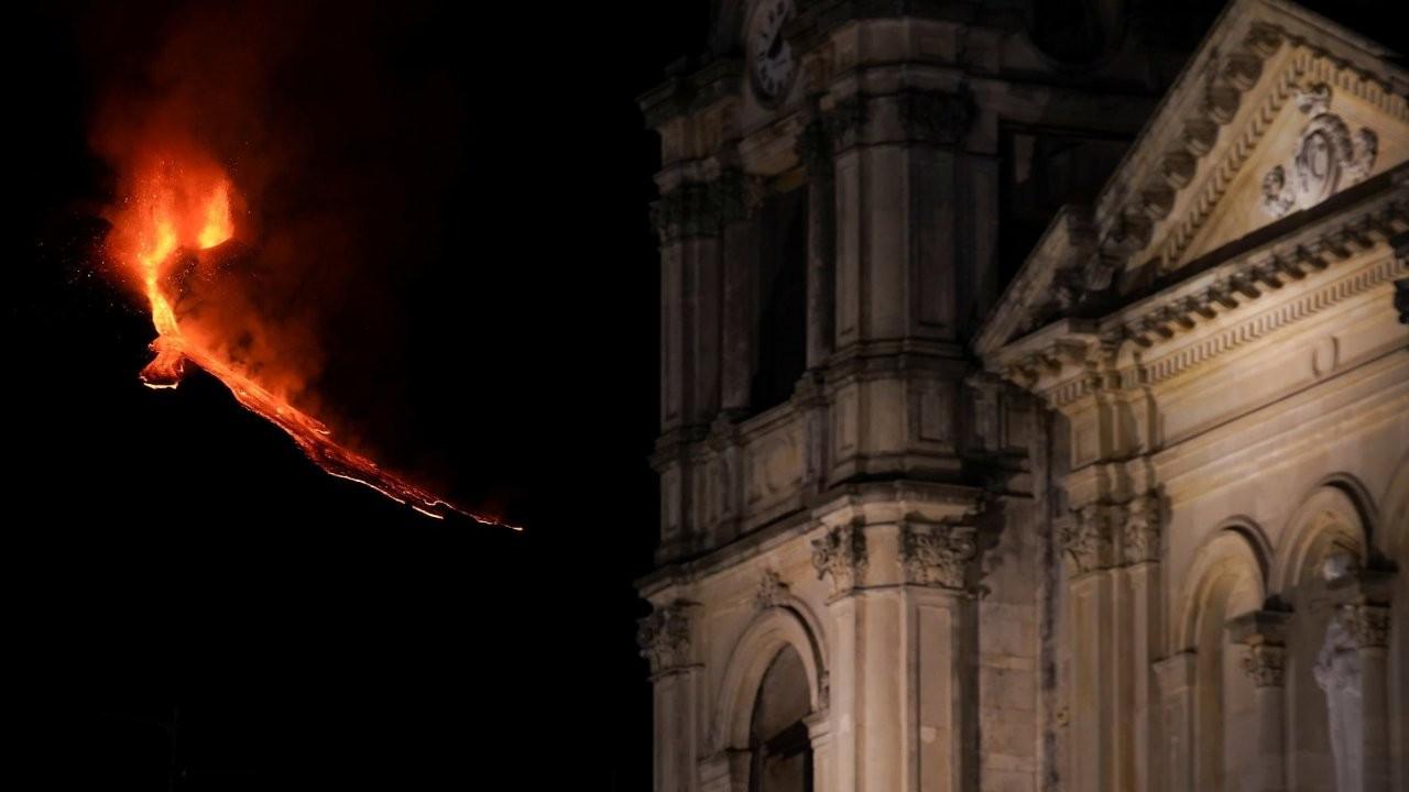 Etna Yanardağı'nın külleri onlarca kasabayı iflasın eşiğine getirdi