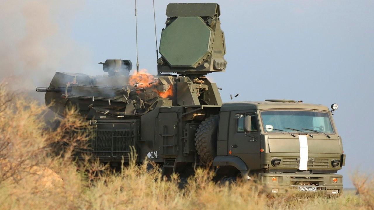 Rusya, Afganistan'a komşu Tacikistan'daki üssüne takviye güç gönderiyor