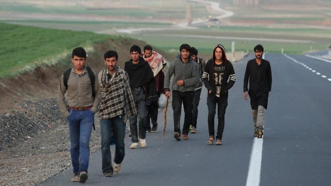 'AB Afgan mültecilerin gelmemesi için mali yardım planı hazırlıyor'