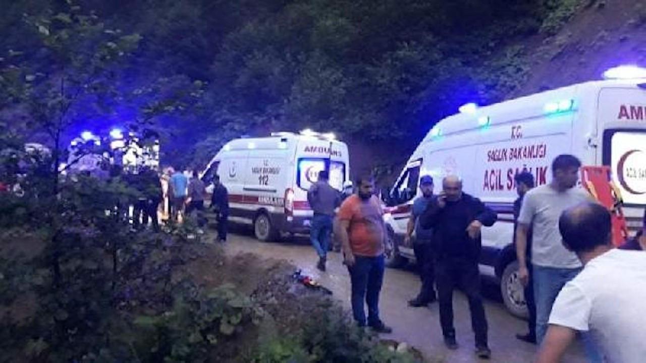Giresun'da yolcu minibüsü şarampole devrildi: 1 ölü, 10 yaralı