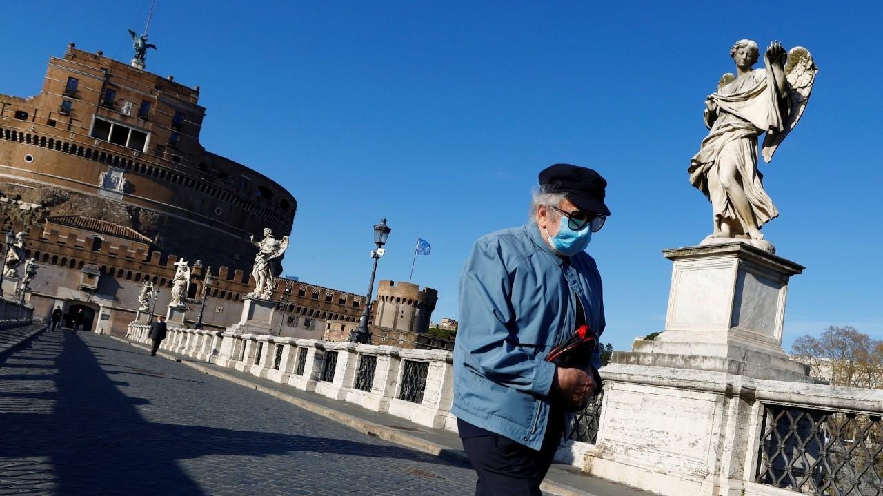 İtalya'da son altı ayda Covid'den ölenlerin yüzde 99'u aşısız