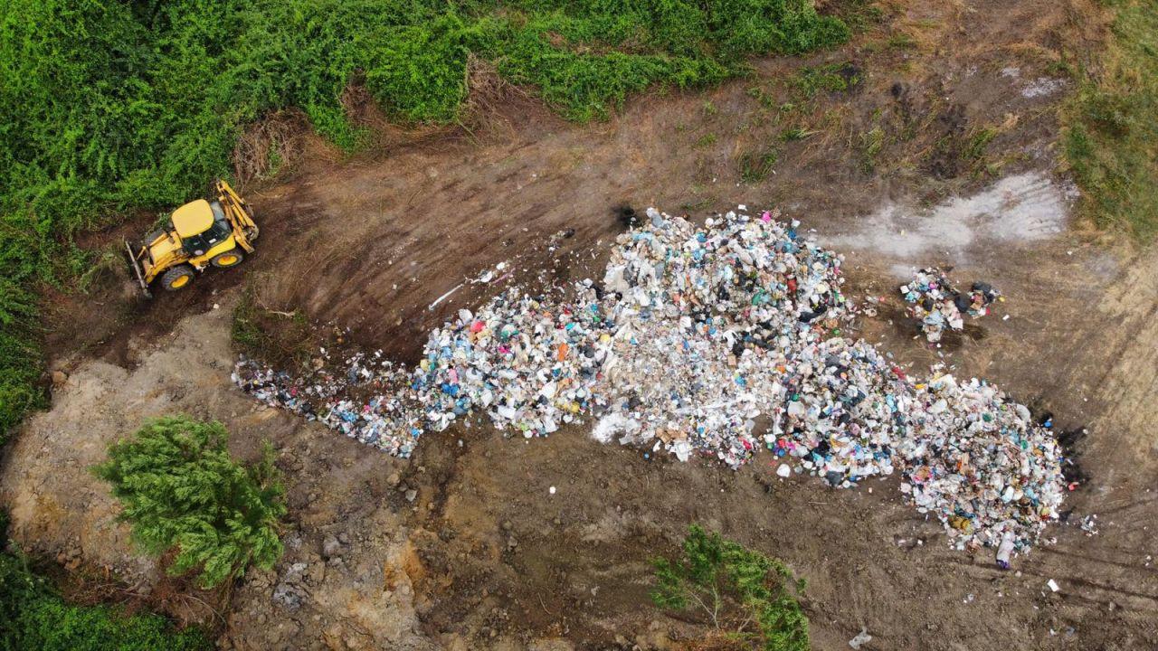AK Partili belediye çöpleri meraya gömerken yakalandı - Sayfa 1
