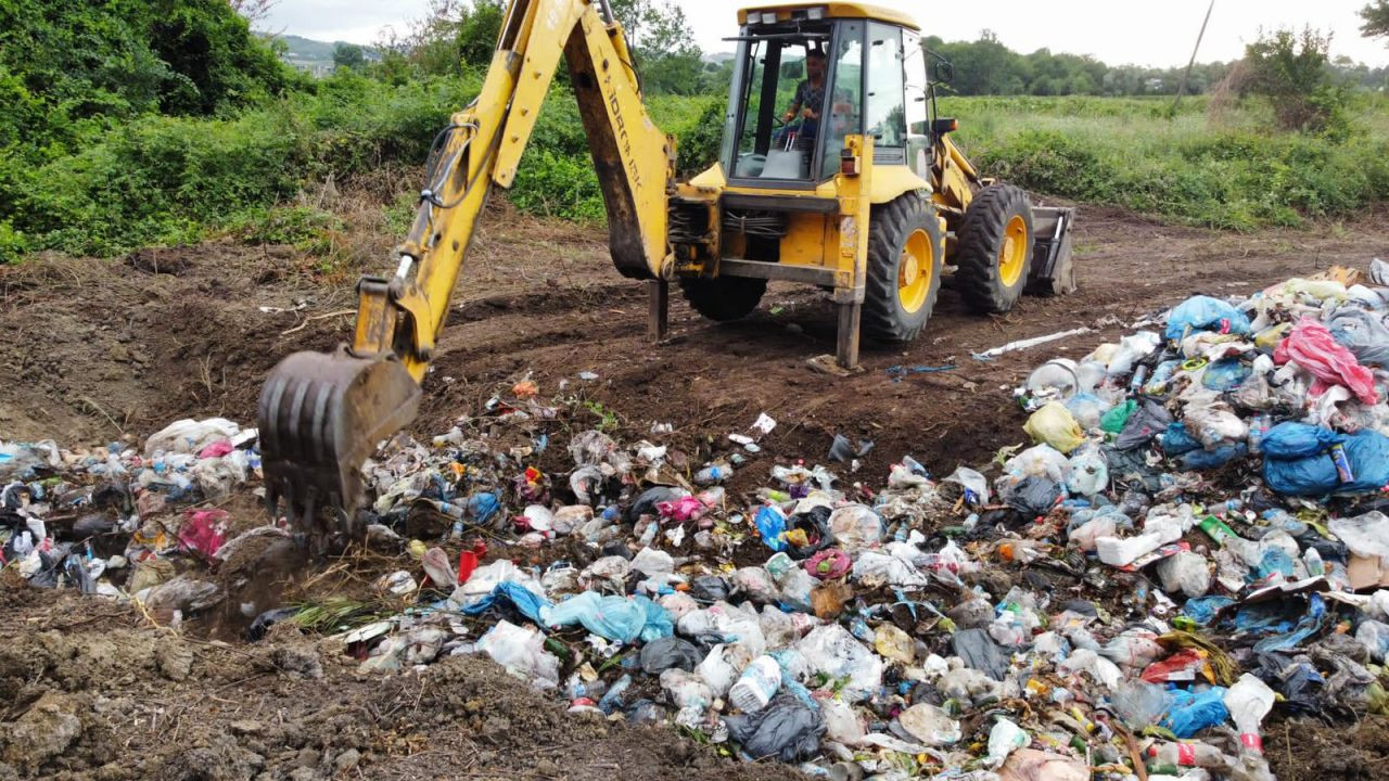 AK Partili belediye çöpleri meraya gömerken yakalandı - Sayfa 3