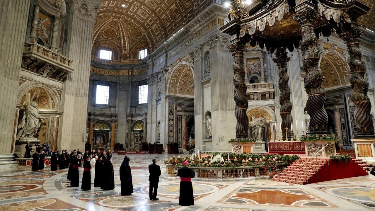 Vatikan'da 350 milyon euroluk yolsuzluk davası başlıyor