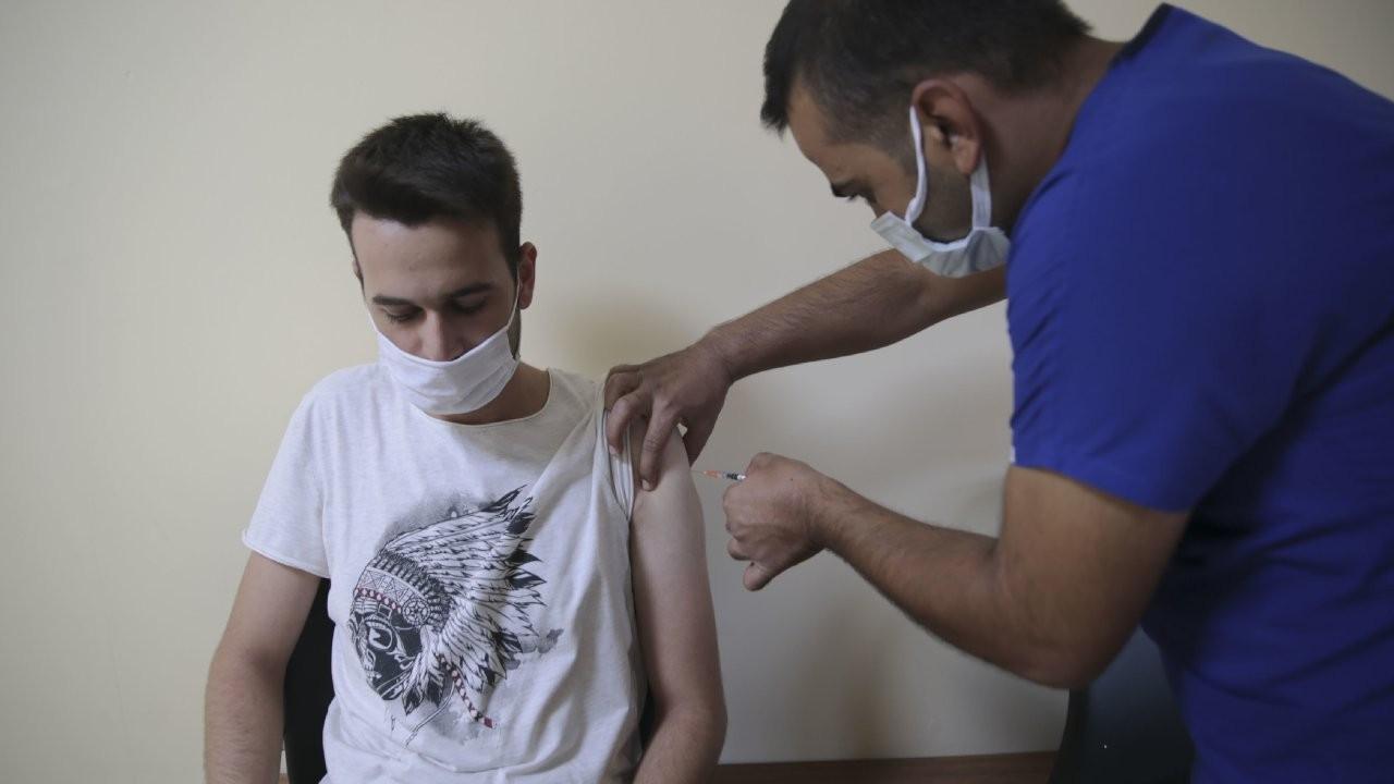 Urfa'da aşı olan gençlere hediye dağıtılacak