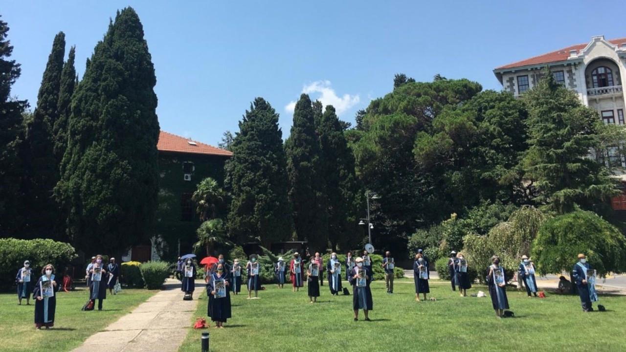 Boğaziçi'nde akademisyenlerin nöbeti 30'uncu haftasına girdi