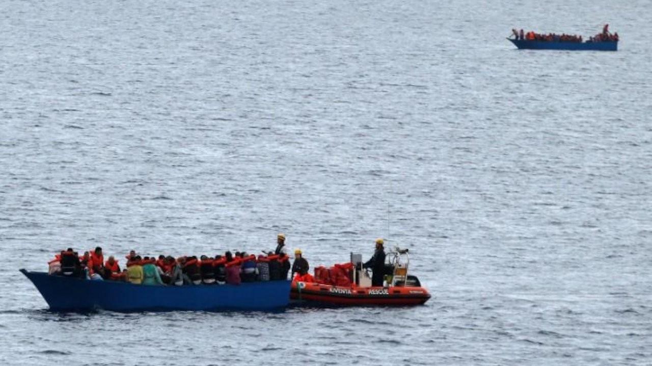 Libya açıklarında sığınmacı botu battı: En az 57 ölü