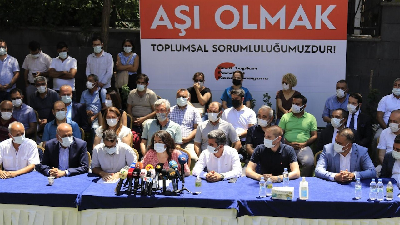 Diyarbakır'da STK ve partilerden ortak çağrı: Vakalar arttı, aşı olun