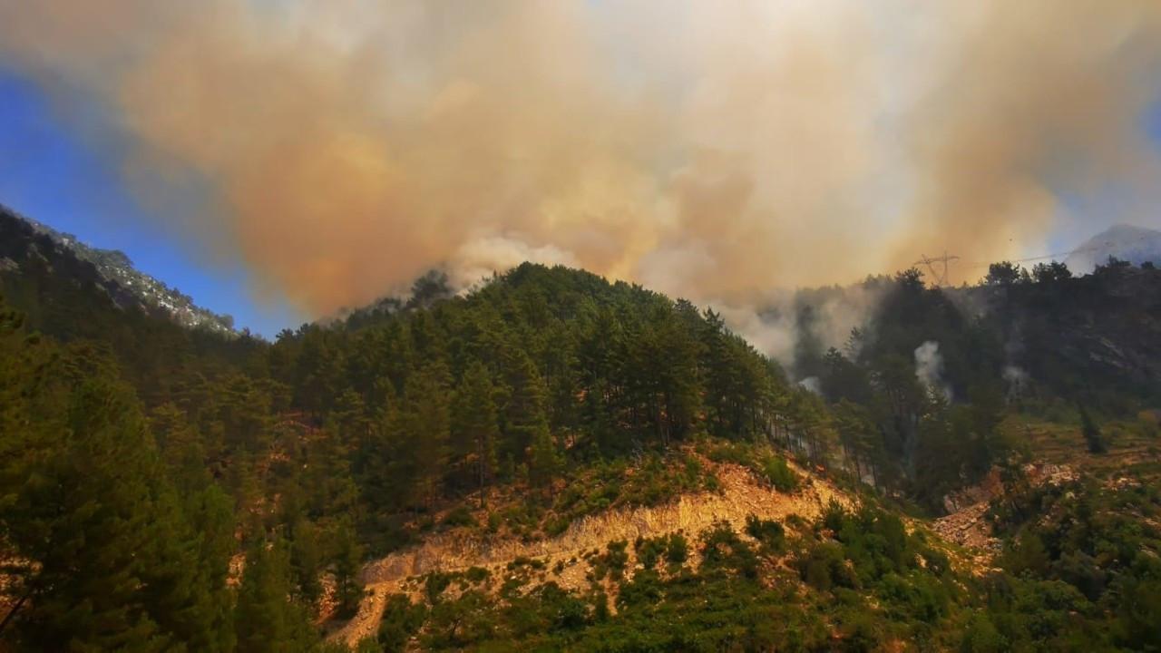 Antalya'da yeni yangınlar: Bir mahalle boşaltıldı