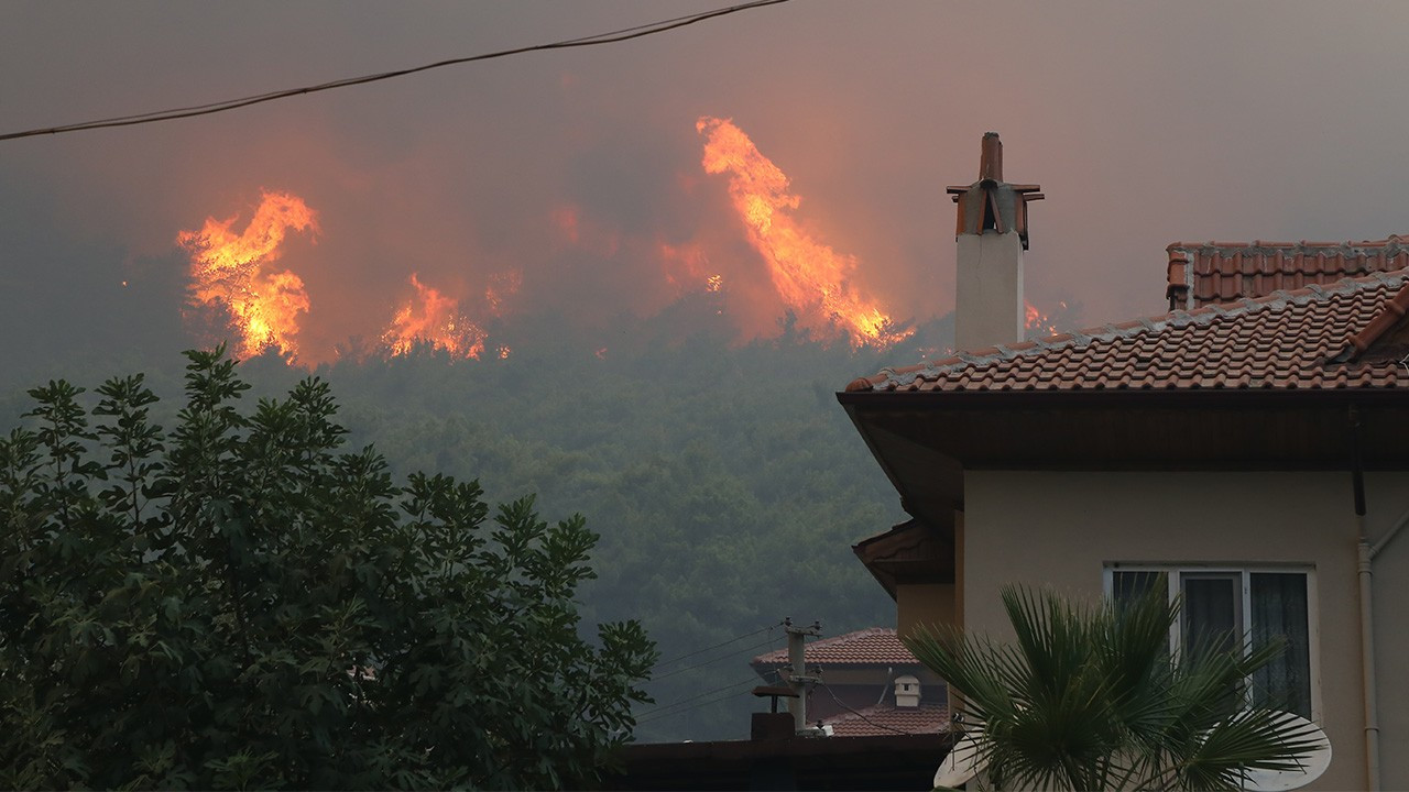 OGM: 71 orman yangınının 57'si kontrol altında, 14'ü devam ediyor