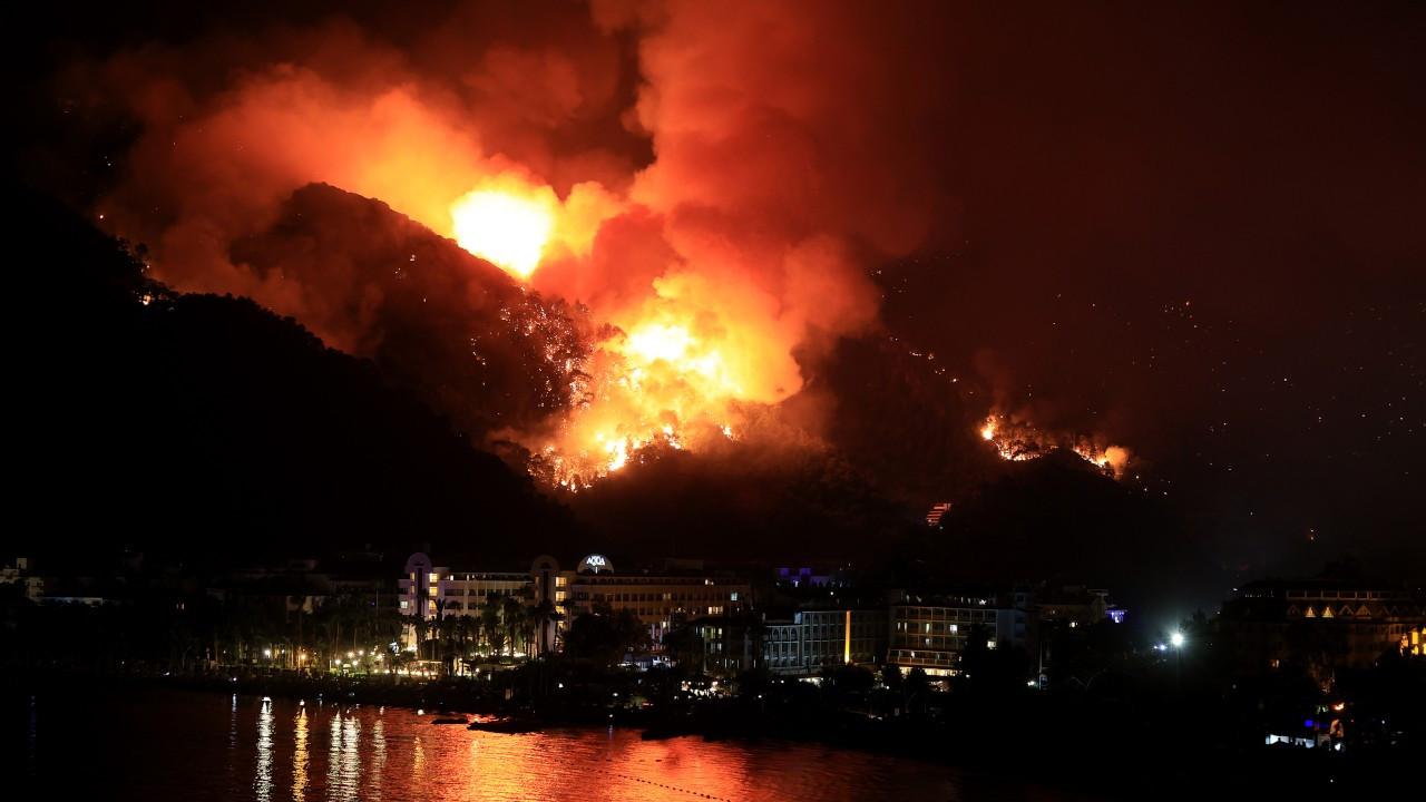 7 kentte 21 orman yangını devam ediyor