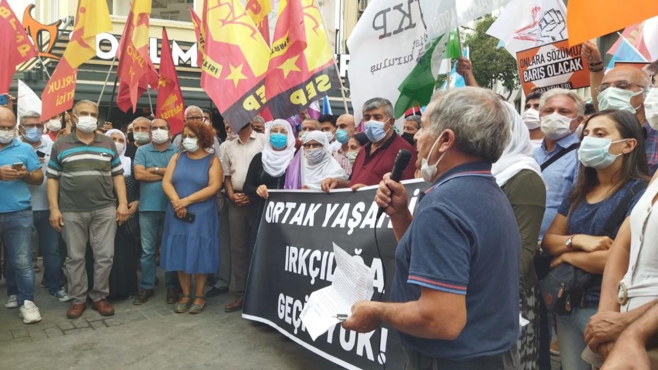 İzmir'de katliam protestosu: Barışı savunmaya devam edeceğiz