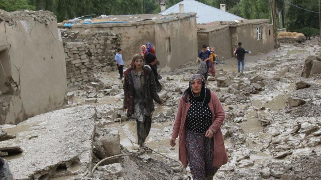 Van'da sel: 900 hayvan öldü, 32 ev kullanılamaz halde