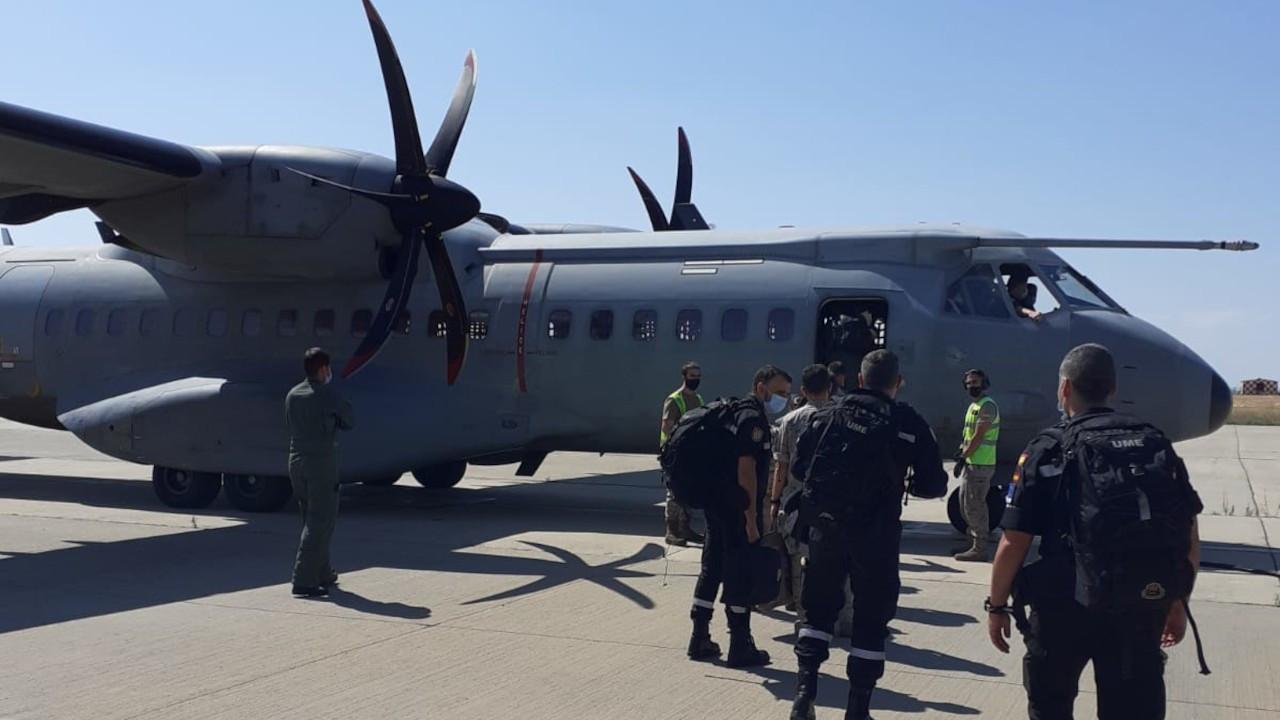 İspanya'dan 2 söndürme uçağı ve 27 pilot Türkiye'ye geldi