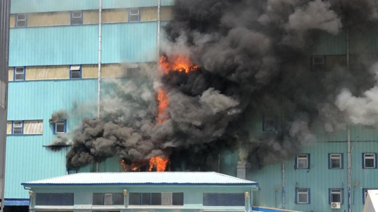 Bor tesislerindeki yangın yoğun mücadeleyle söndürüldü
