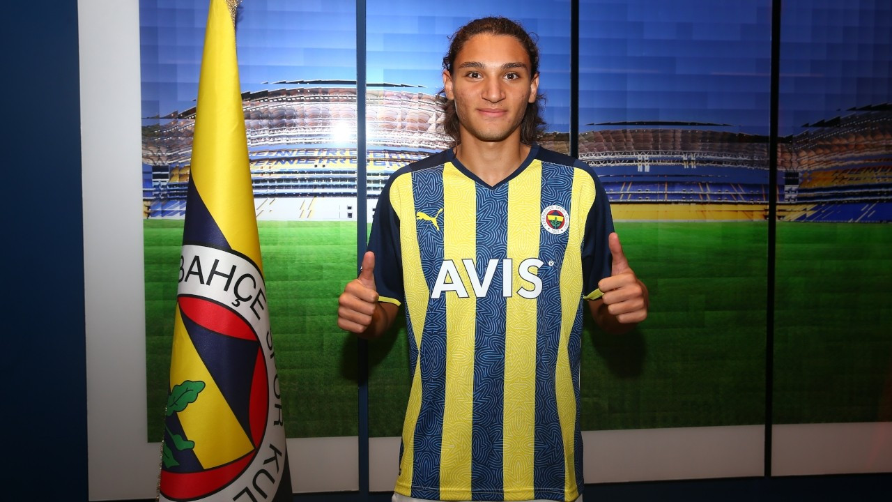 Fenerbahçe, genç futbolcu Emir Ortakaya'yı transfer etti