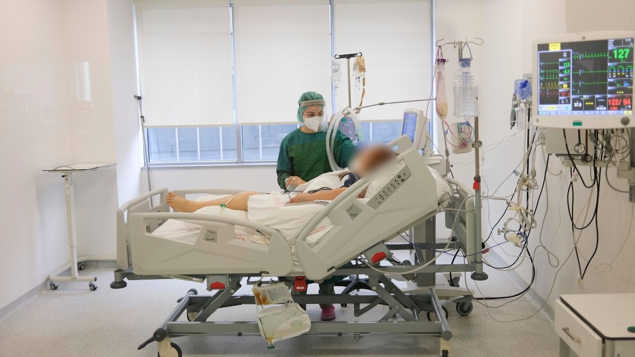 'Yoğun bakımdaki hastalar aşılanmadıkları için pişman'