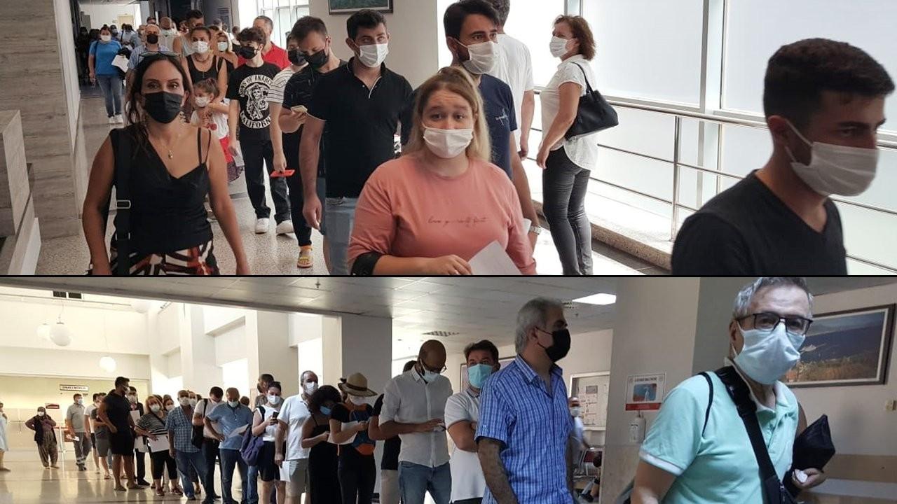 Antalya'da uzun aşı kuyrukları