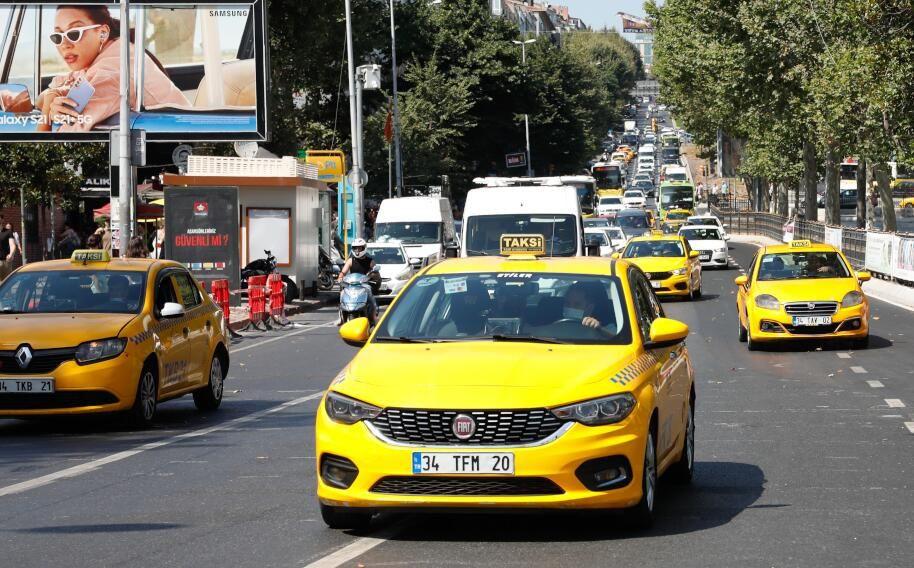 Taksiciler: Yolcular ücretli yola karşı biraz uyanık olmalı - Sayfa 1