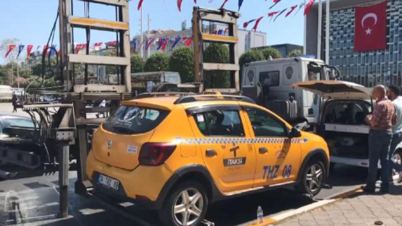Polisi turist sanan taksici Taksim'den Şişli'ye 500 TL istedi