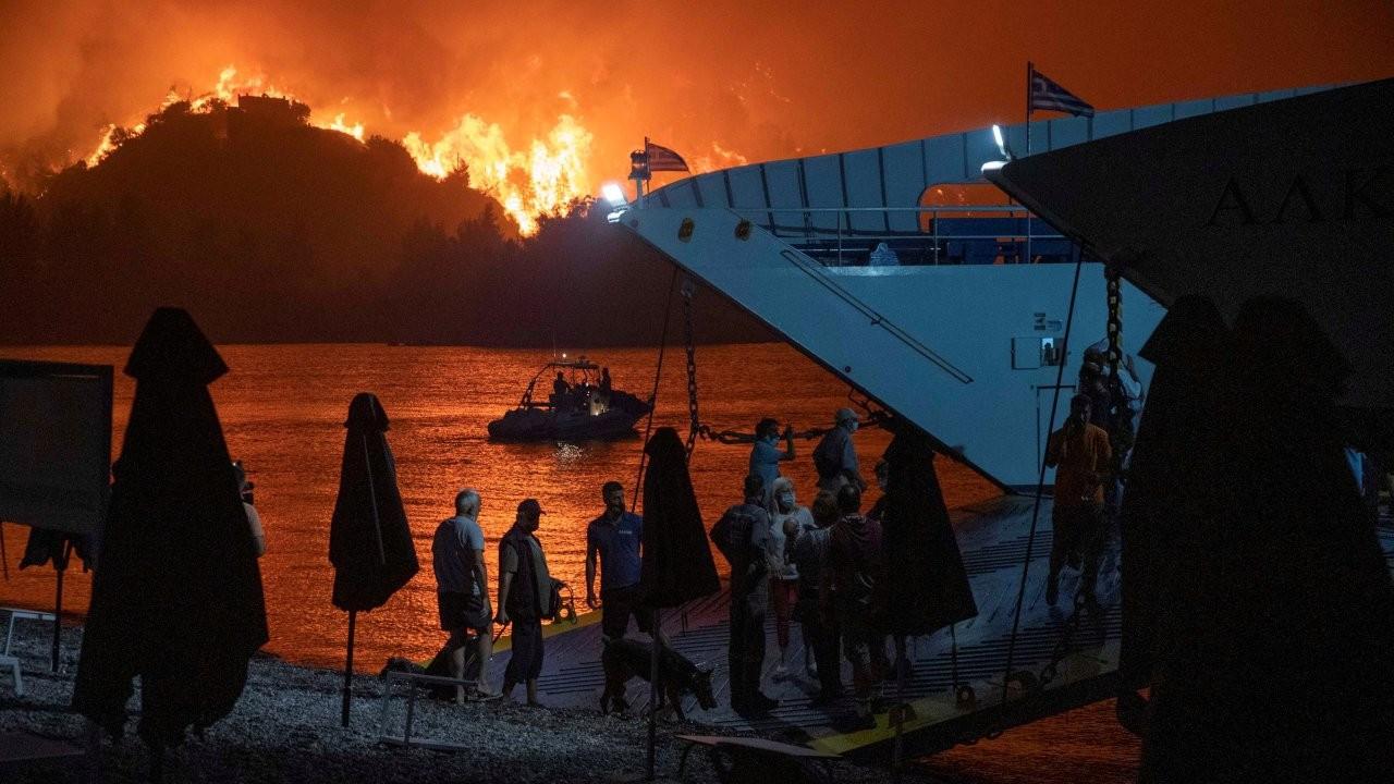 Atina yangında evi yananlara 150 bin euro'ya kadar destek verecek