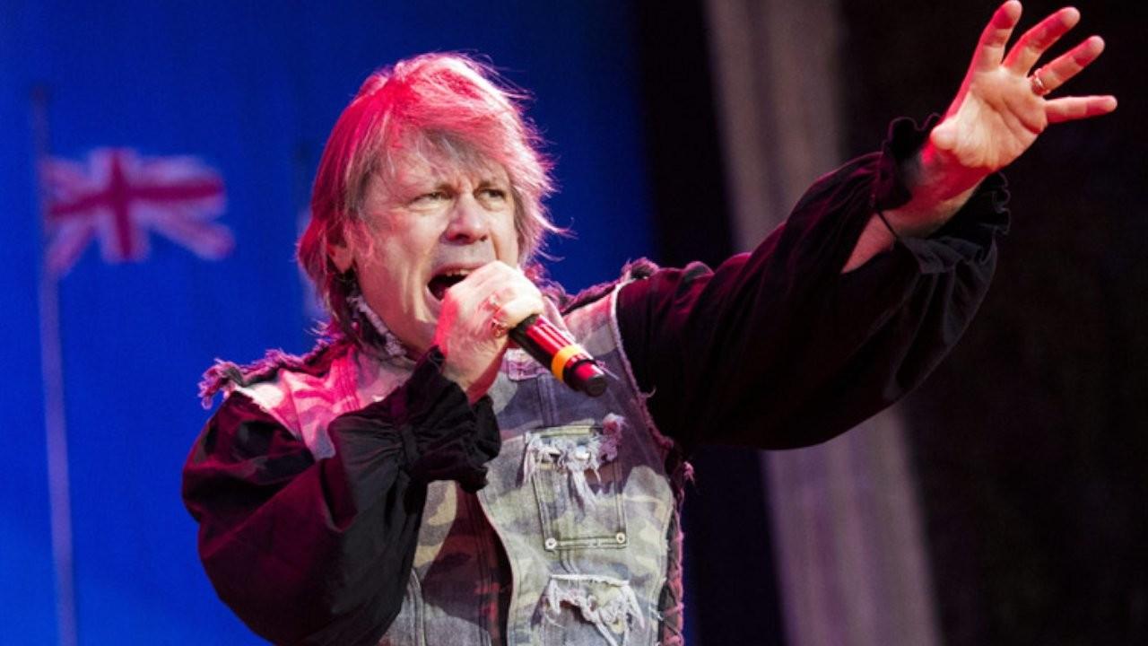 Iron Maiden'ın vokalisti korona virüsüne yakalandı
