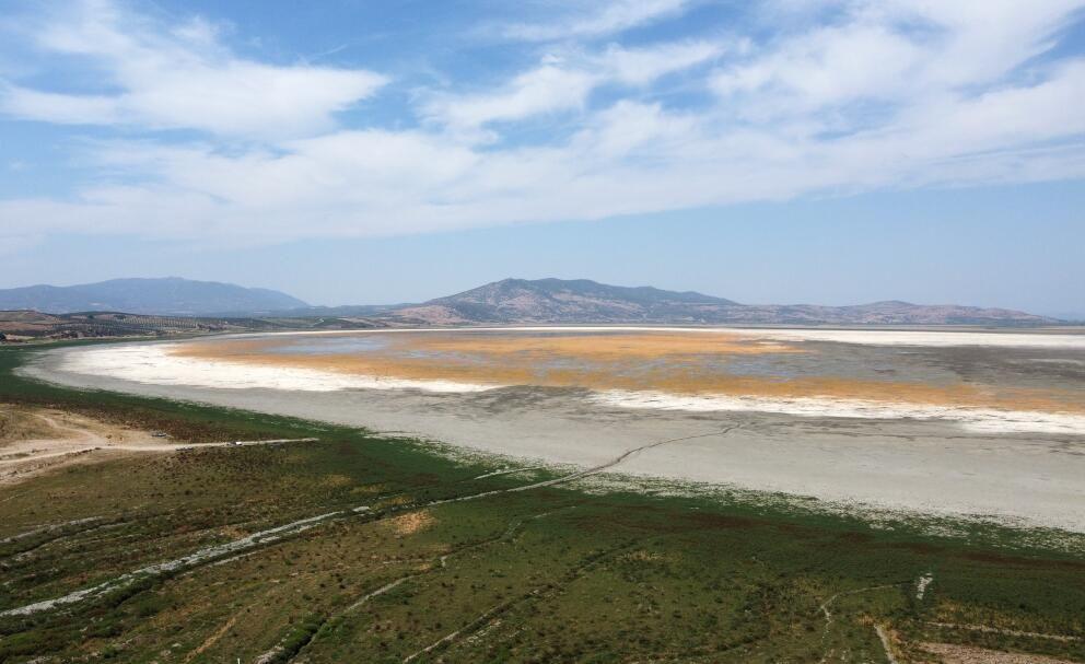 Manisa'daki Marmara Gölü kuraklığın pençesinde - Sayfa 1