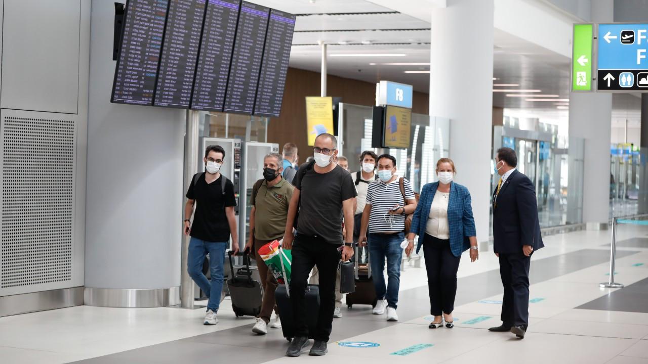 Kabil'den tahliye edilen 324 Türkiye vatandaşı İstanbul'a getirildi