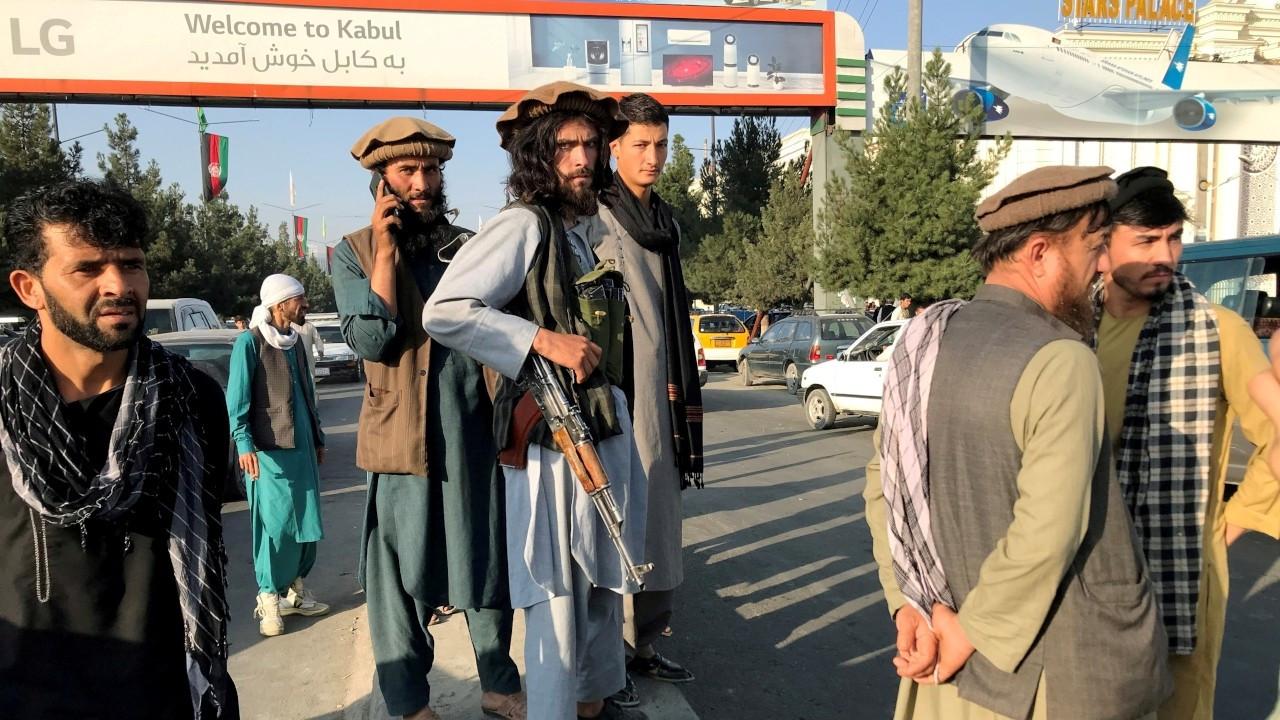 Almanya, yerel personelin tahliyesi için Taliban'la doğrudan müzakere yürütecek