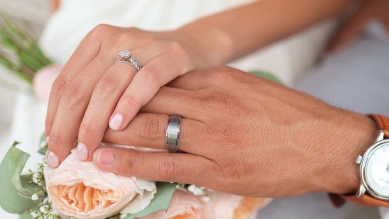 Anket: Bekarların yüzde 88'i evlilikte alyans takılsın istiyor