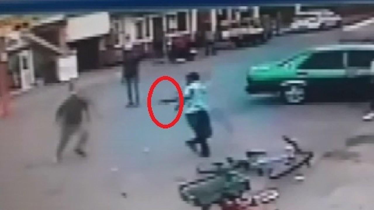 Pidesi eksik çıktı diye üç kişiyi vurdu