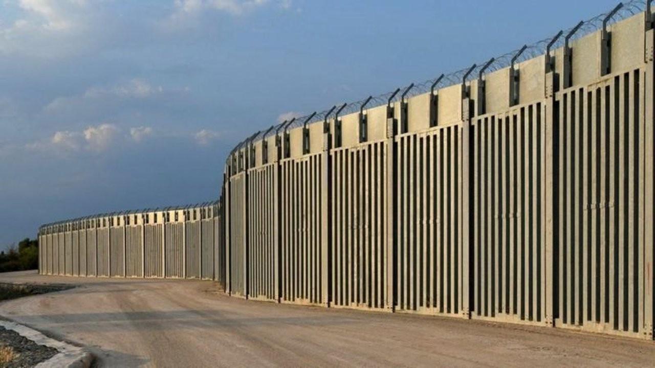 Yunanistan: Türkiye sınırına örülen 40 km'lik duvar tamamlandı