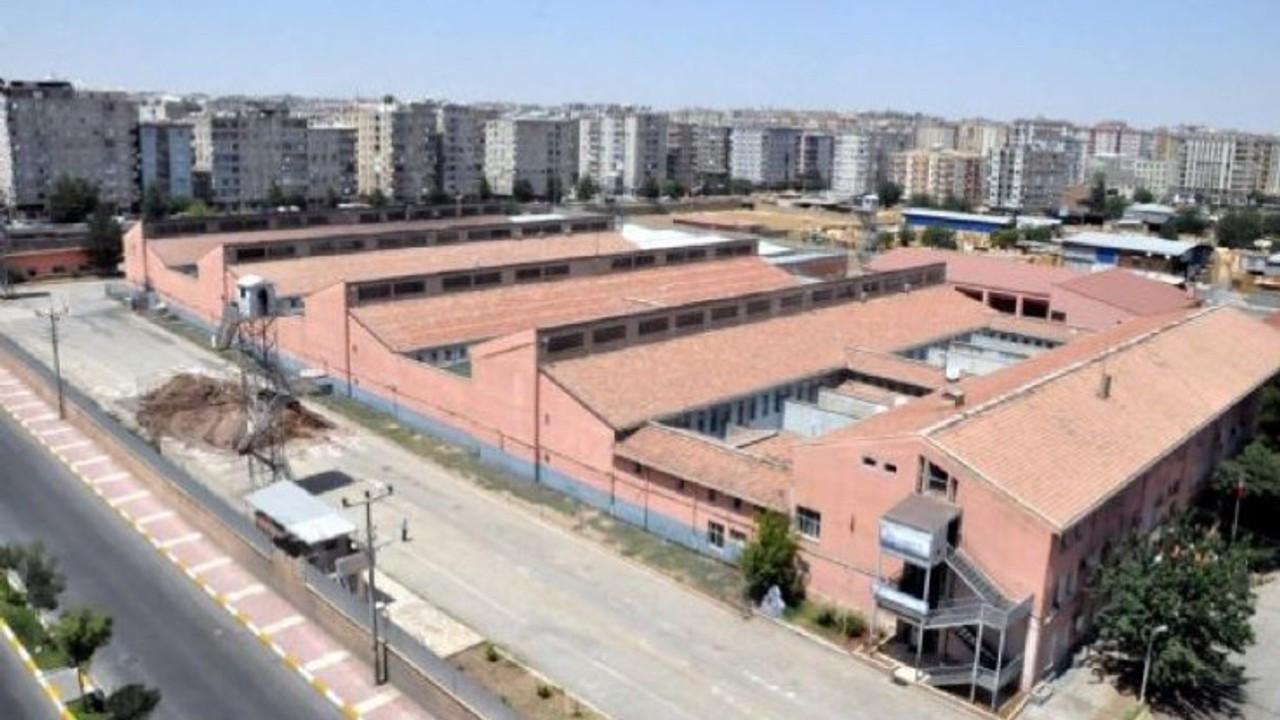 Diyarbakır cezaevleri raporu: Çıplak arama, hakaret, şiddet