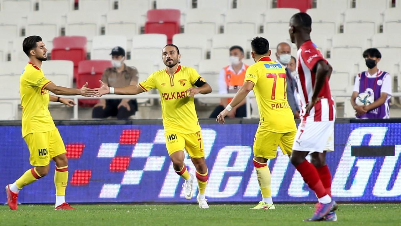 Sivasspor sahasında ağırladığı Göztepe ile 2-2 berabere kaldı