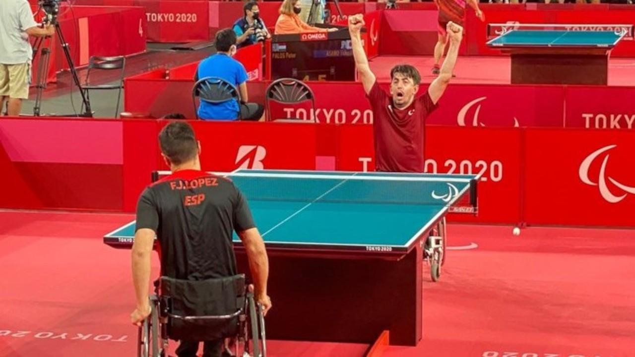 Paralimpik Oyunları'nda masa tenisi ve yüzmede madalyalar